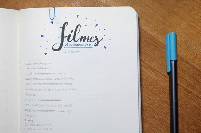 Página do caderno escrita FILMES e uma canetinha Staedtler