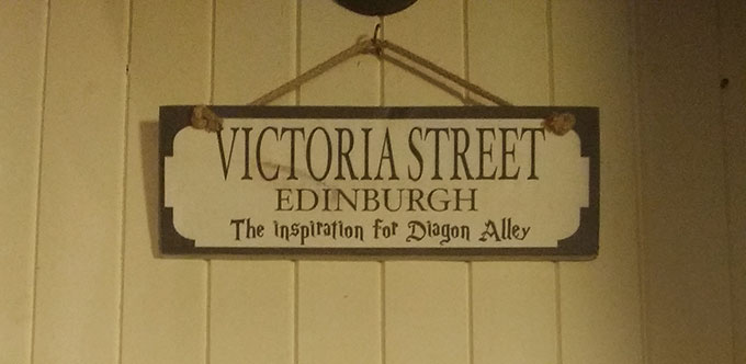 Placa Victoria Street - Edimburgo e Harry Potter